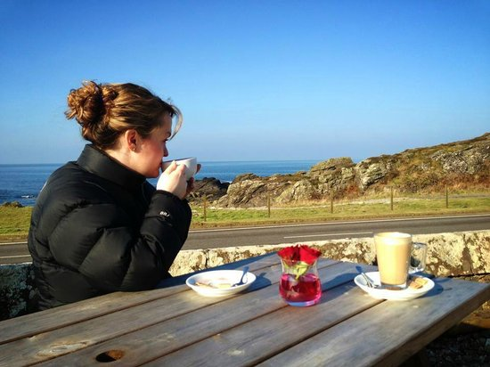 The Putechan Hotel: Coffee with a view!