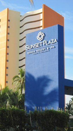 Sunset Plaza Beach Resort & Spa: Entrée de l'hotel
