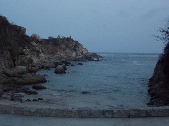 Las Brisas Huatulco : Playa secreta, anochecer.