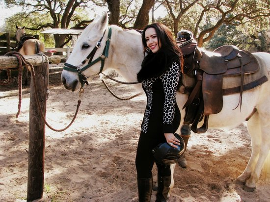 BlissWood Bed and Breakfast Ranch: Horseback riding