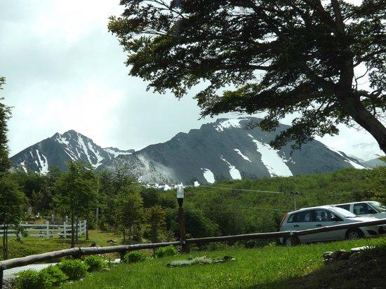 Altos Ushuaia: Da porta do hotel!