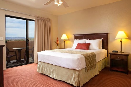 Verde Valley Extended Stay: Enjoy Queen sized pillow top comfort