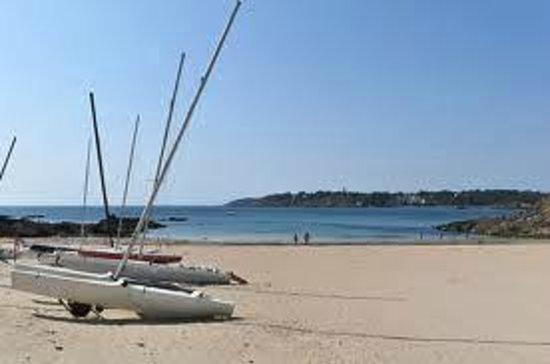 Moelan sur Mer, Prancis: très belle plage de sable fin