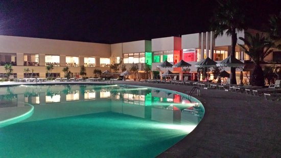 Iberostar Diar El Andalous: Poolbereich mit Blick auf den Speisesaal