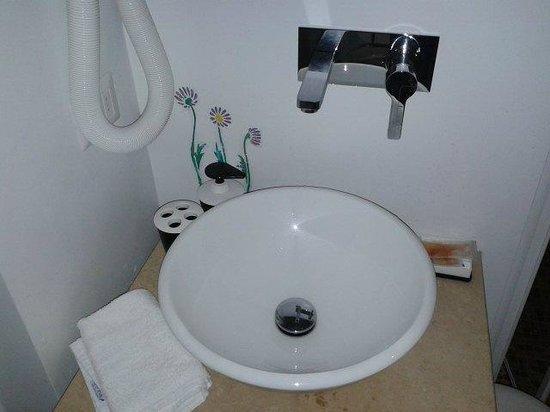 Hotel La Casa di Morfeo: Il lavabo