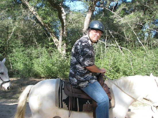 BlissWood Bed and Breakfast Ranch: Hubby horseback riding