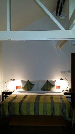 Maison Polanka: Green room bed