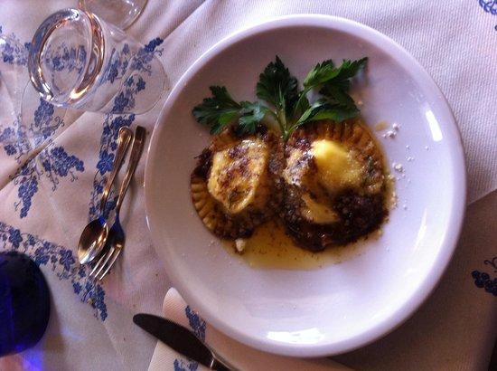 Filetto di maiale lardellato su crema di ceci al rosmarino for Alba cuisine italienne