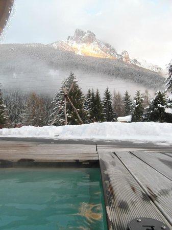 Active Hotel Olympic: Visuale diurna dell'esterno piscina