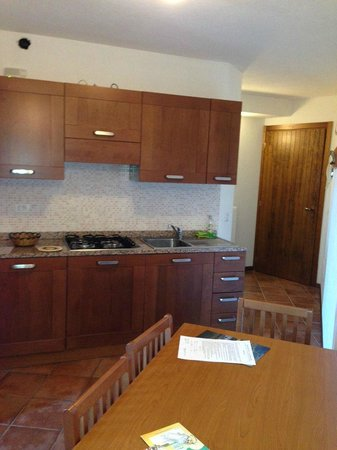 Montecampione Resort : La Splaza T1 apartment's kitchen