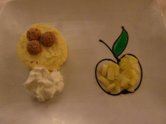 Active Hotel Olympic: Prima sera: Dolce all'amaretto con mela