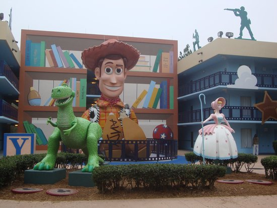 Disney's All-Star Movies Resort: Mas figuras!