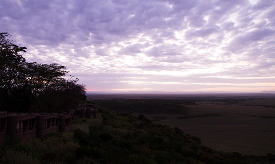 Mara Serena Safari Lodge : Sunrise seen from the lodge