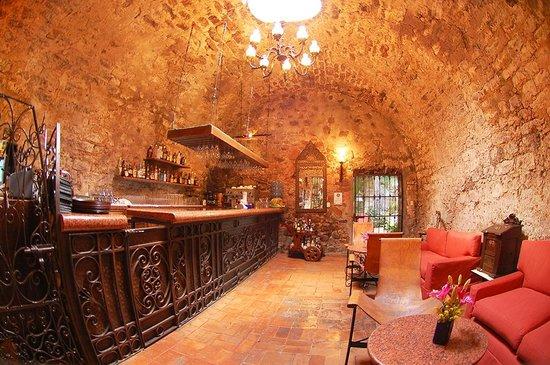Hotel Hacienda de Cortes: Bar