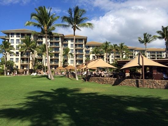 The Westin Kaanapali Ocean Resort Villas: Walking by along the boardwalk