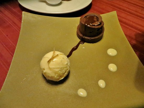 Abacus Restaurant, Garden & Bar: Chocolate Cake with Ginger Ice Cream