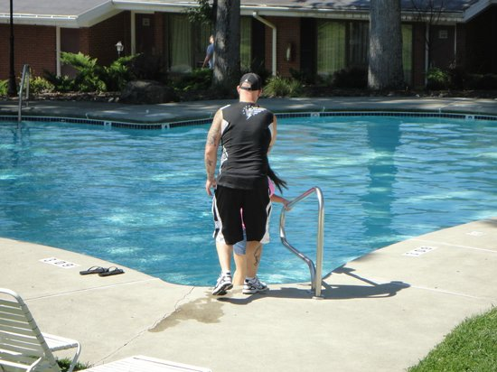 Cove Haven Resort: Heart Shaped Pool