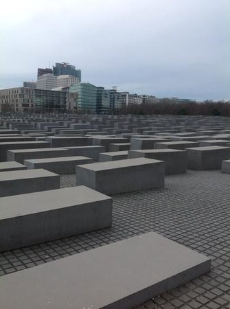 Mémorial aux Juifs assassinés d'Europe : holocaust memorial berlin