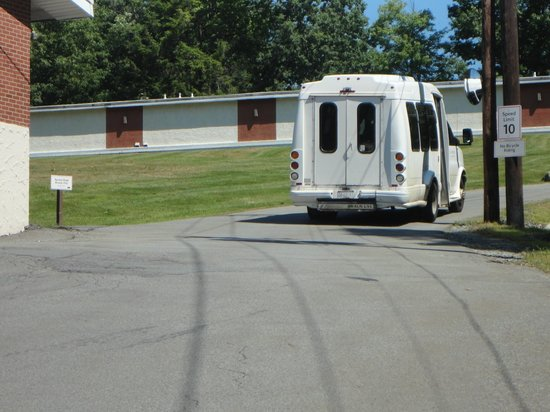 Cove Haven Resort: The Shuttle will bring you up the hills