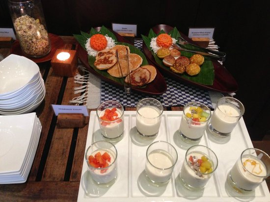 Victoria Xiengthong Palace: the best homemade yogurt we've ever had