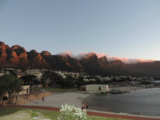 PG Tops Travel and Tours - Day Tours: Camp´s Bay