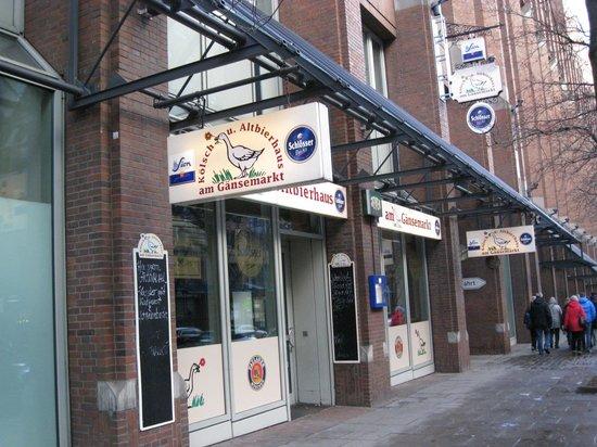 Scandic Hamburg Emporio: kro ved hotellet