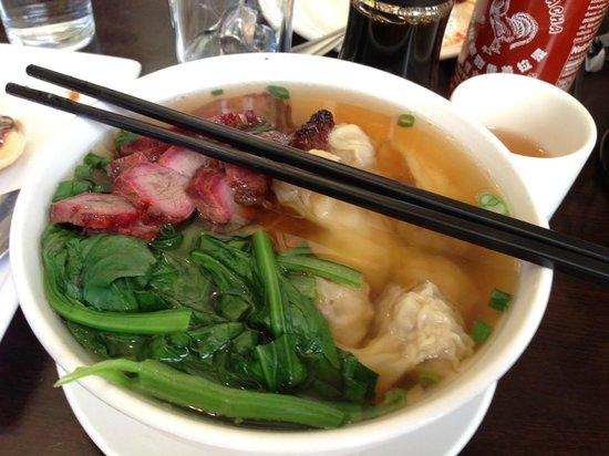 Sang Kee Noodle Cafe: Wonton Noodle Big Bowl with Pork