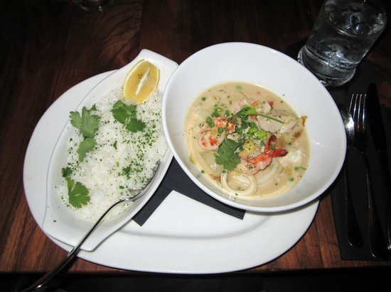 Kome : Coconut Seafood Curry