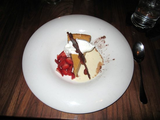 Kome : Pumpkin Cheesecake with Candied Bacon