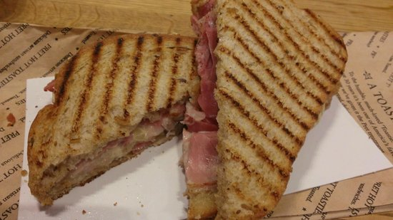 Pret A Manger: Ham & Cheese Sandwich