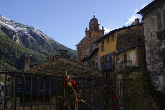 Train des Merveilles: Old city- view from road