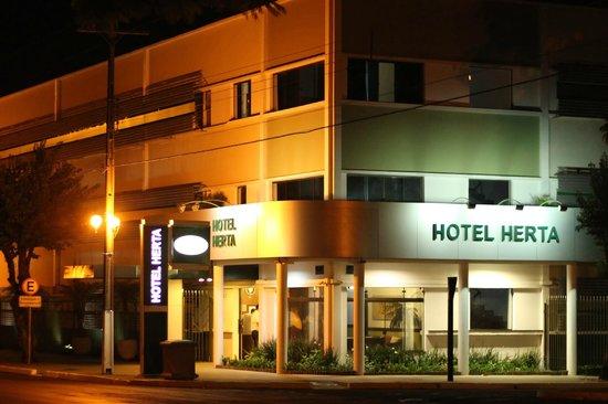 New Hotel Herta: Faixada