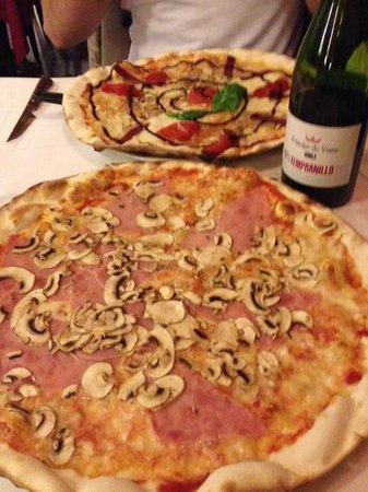 La Tagliatella: Пиццца
