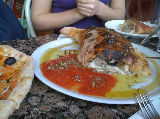 La Porchetta: Calzone pollo