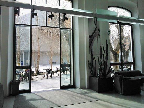 MAXXI - Museo Nazionale Delle Arti del XXI Secolo: vista dal risto-bar
