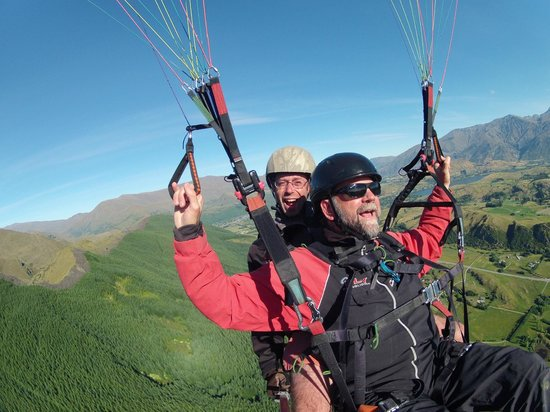"Fly Paragliding: ""My aircraft!"""