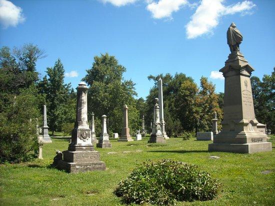 Spring Grove Cemetery & Arboretum: Head Stones