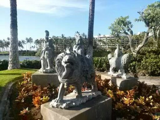 Kings' Land by Hilton Grand Vacations : Sculptures at the hotel