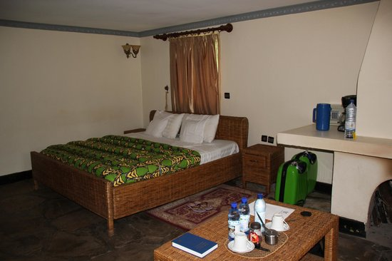 Le Bambou Gorilla Lodge: Inside of our room- clean and comfortable