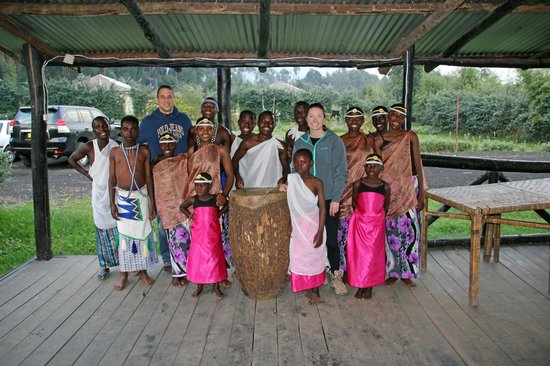 Le Bambou Gorilla Lodge: Local children performed a dance our first night at the lodge