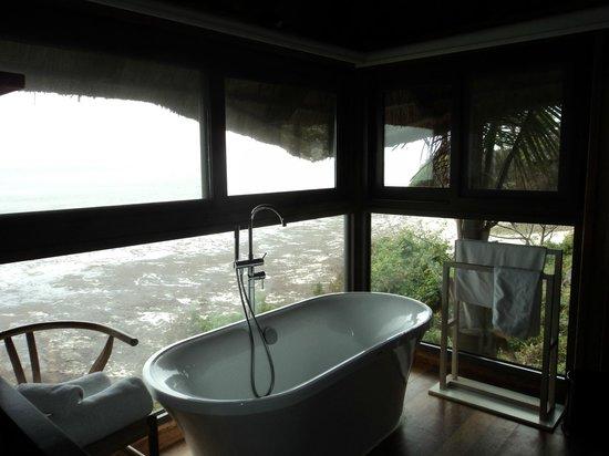 Melia Zanzibar: Badewanne im Zimmer