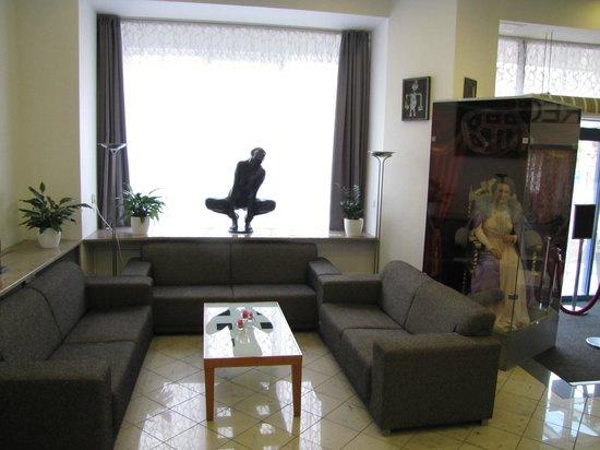Hotel Marttel: Lobby