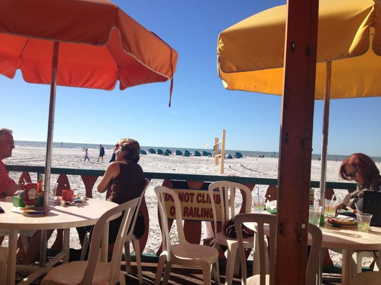 Frenchy's Rockaway Grill: Best view in town!