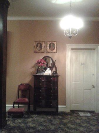 Columns Hotel: Room