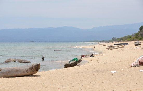 Makuzi Beach Lodge: en allant vers le village