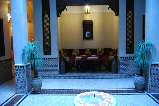 Riad Bahia Salam : sala zona de recepción