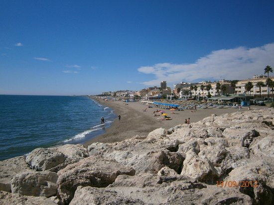 La Carihuela: carihuela beach from the headland