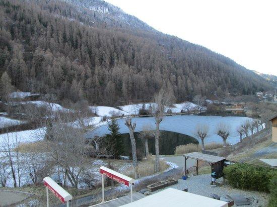 La Lauzetane : Le lac gelé