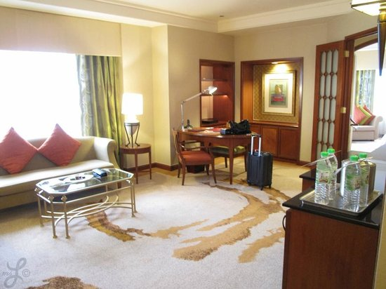 Sheraton Imperial Kuala Lumpur Hotel : Living space in our suite