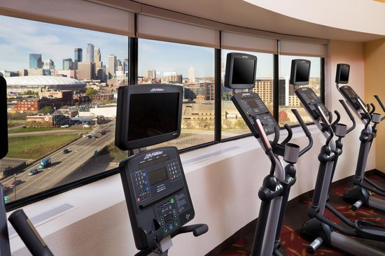 Courtyard Minneapolis Downtown: 14th Floor Fitness Center
